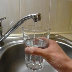 voda z kohoutku v restauraci ano či ne